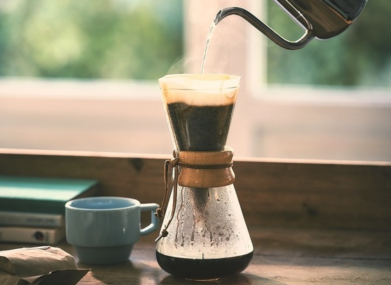 ペーパードリップを使ったコーヒーの入れ方