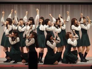 CMソングの「何度目の青空か?」を披露する乃木坂46のみなさん。CDは10月8日発売とのこと。