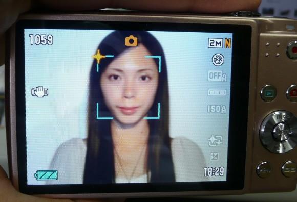 顔認識メイクアップ機能オン