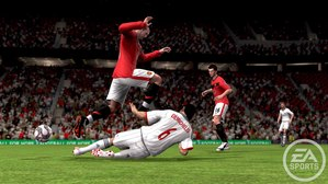 PS3_ManUxBMun_Rooney+Demichelis_Slide-Tackle