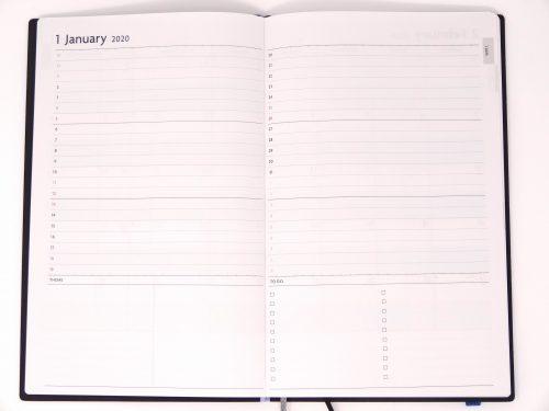 マークス  EDiT「週末重視の月間手帳」
