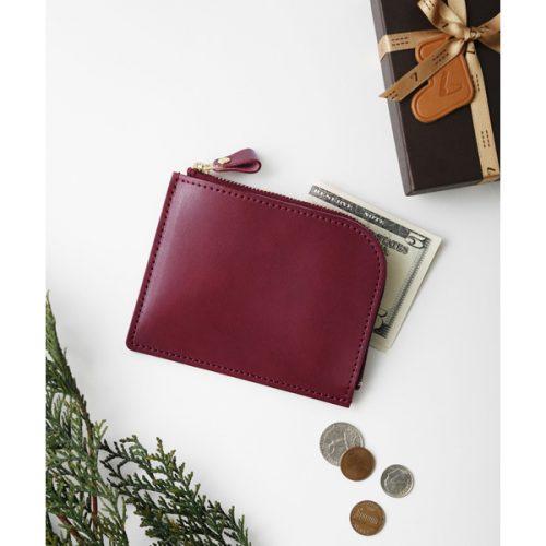 プレゼントには土屋鞄のクリスマス限定カラーの革小物を!