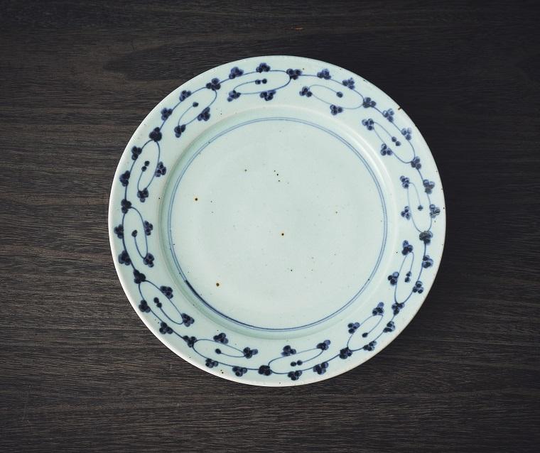 砥部焼中田窯の8寸リム皿