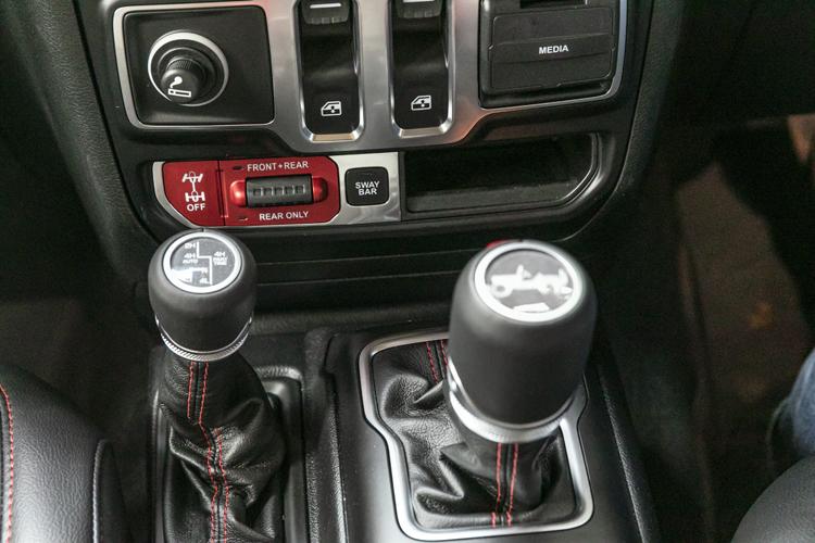 ジープ Jeep FCA ラングラー Wrangler rubicon ルビコン