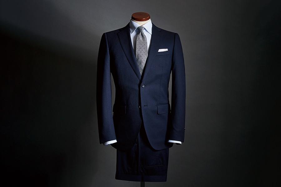 9485703bad 安くとも数万円、オーダーなら10万円超えも珍しくないスーツ業界において、1万円台という驚異的な価格の製品がお目見えしました!