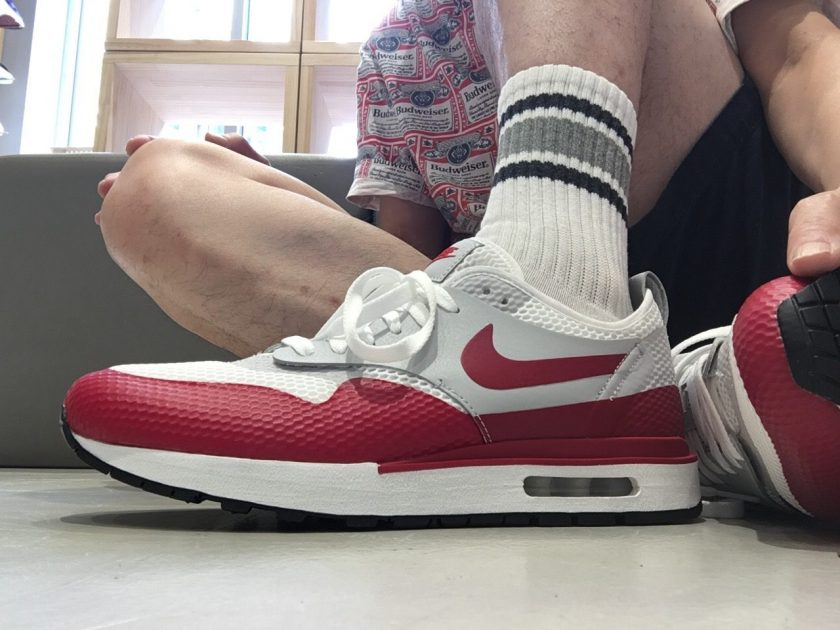 NIKE AIR MAX 1 ROYAL SE SP WHITE/GYM RED-NEUTRAL GREY-BLACK