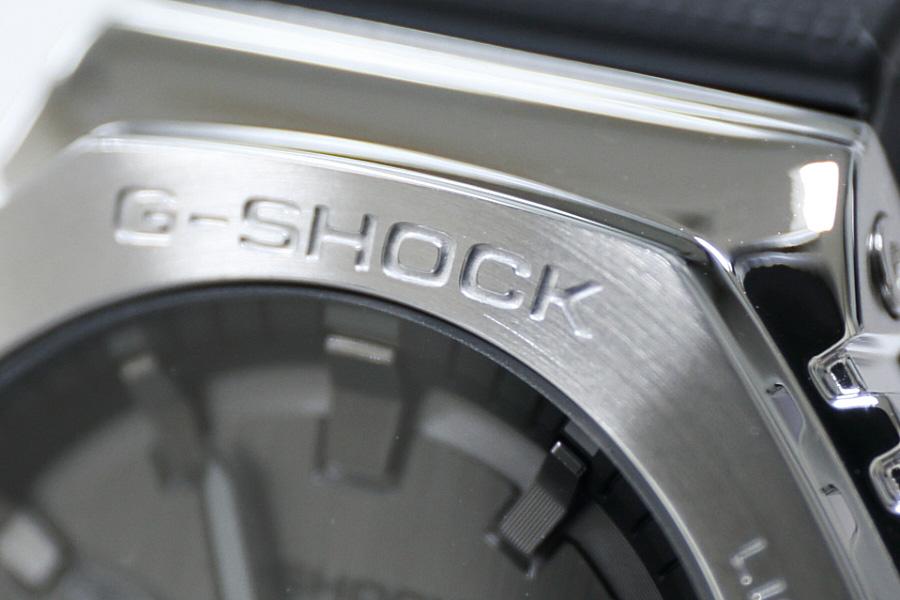 """カシオG-SHOCK""""カシオーク""""新作メタルカバード「GM-2100」ヘアライン仕上げのメタルベゼル"""