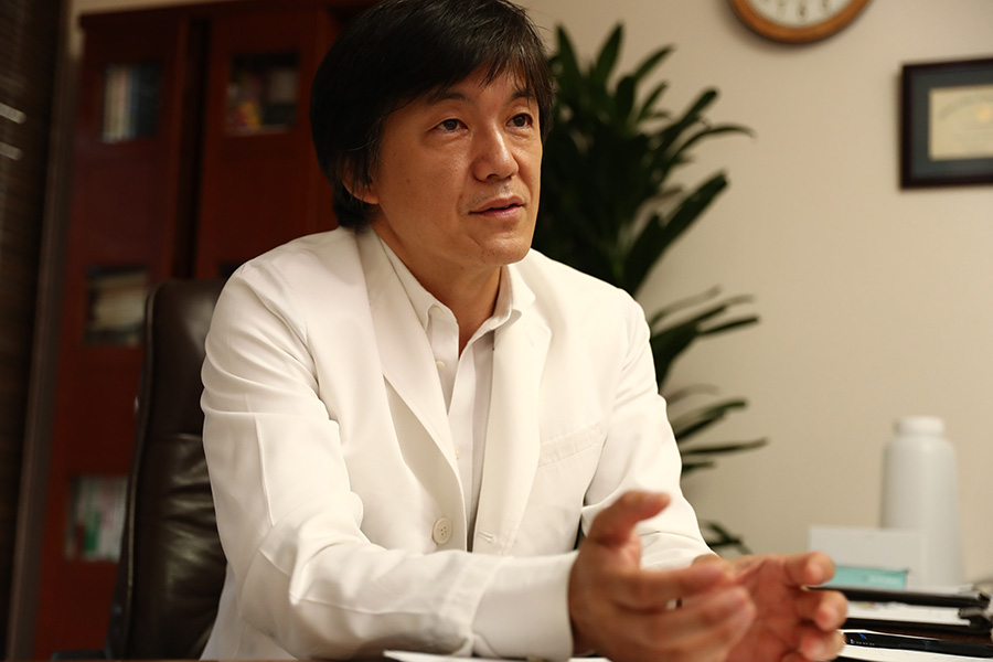 「三番町ごきげんクリニック」院長の澤登雅一先生