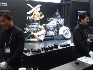 同じく富士フイルム。Xシリーズの試写コーナーは長蛇の列で大人気。