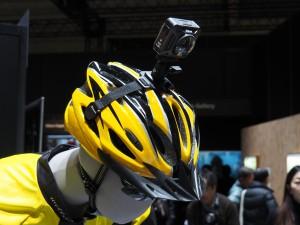 CESで発表された360度カメラのニコンのKeyMission。残念ながらまだモックでの展示で触ることはできなかった。