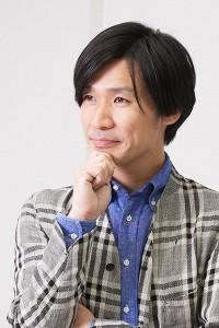 企画デザイナーの吉田和雅さん。デザイナー側と工房で腕を振るう職人との間での意見交換をスピーディーにやりとりできる環境が、キプリスにはある。