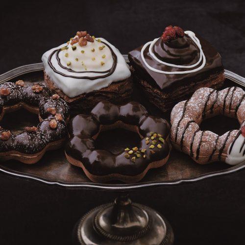 【食べてみた】今年も登場! ミスドの「ショコラコレクション」が高級感溢れる味でおいしすぎる!