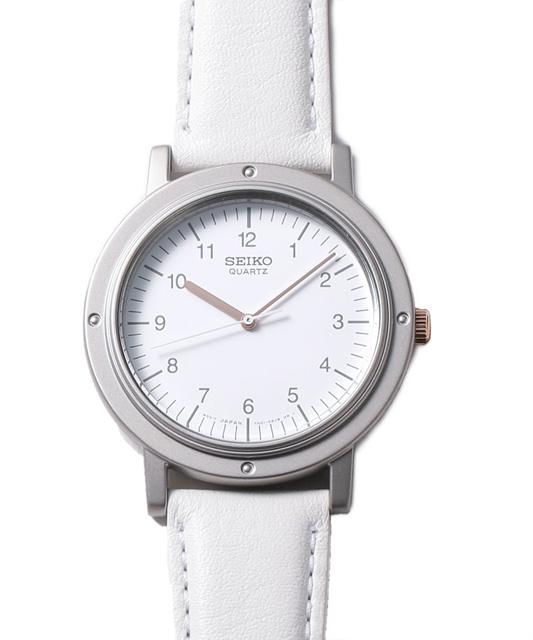 7b837a03b1 かのスティーブ・ジョブスが着けていたことでも有名な腕時計ですが、17年の春夏シーズンにナノ・ユニバースがその復刻版を発売、瞬く間に完売した伝説のモデル です。