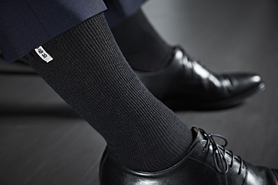 58203f70b931a0 ヨレヨレの靴下がチラ見えしてしまうと、せっかくのオシャレも台無しです。スーツや靴と同じように靴下にもこだわりたい人にうってつけなのが、福助 ...